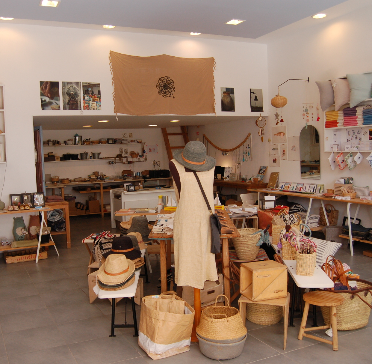 ONEIRA concept store